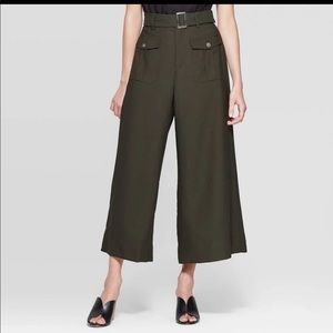 Who what wear green Wide leg Pants Mid rise 10